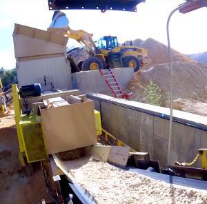 Loading raw silica sand